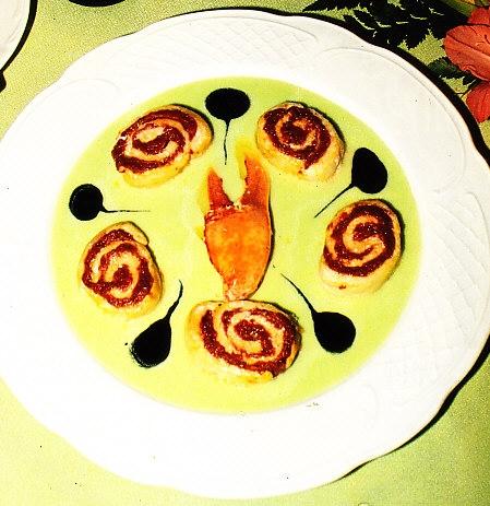 Merluza rellena de salsa vizcaína sobre pil-pil