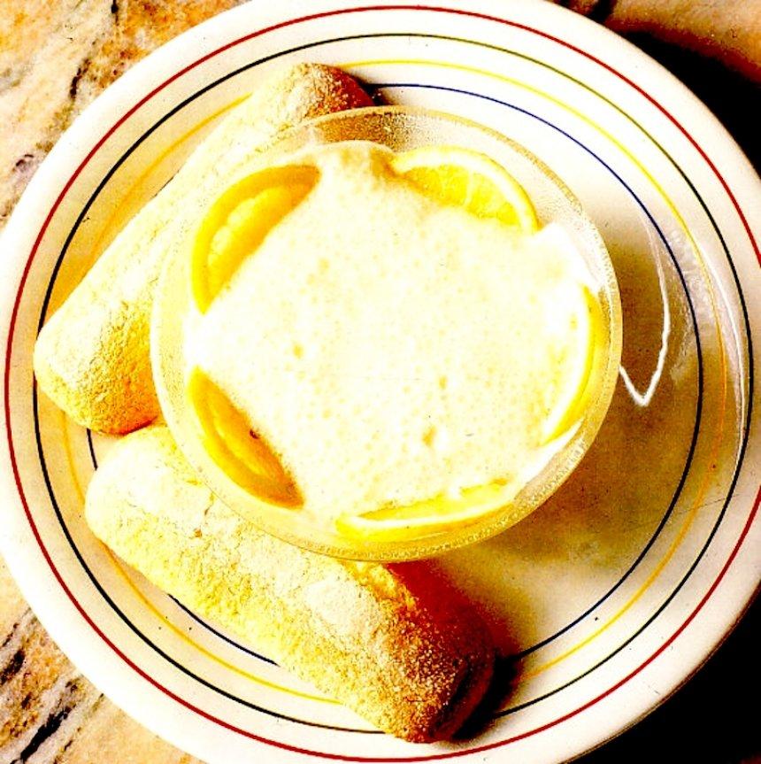 Mousse de limón con soletillas