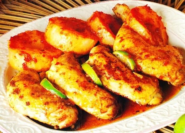 Muslos de pollo a la piña
