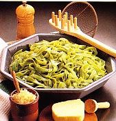 Nidos de tallarines a la italiana