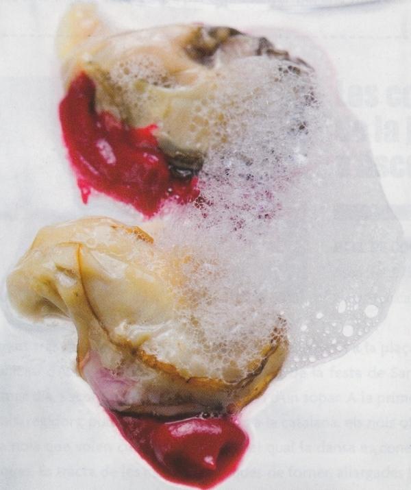 Ostrones con puré de remolacha