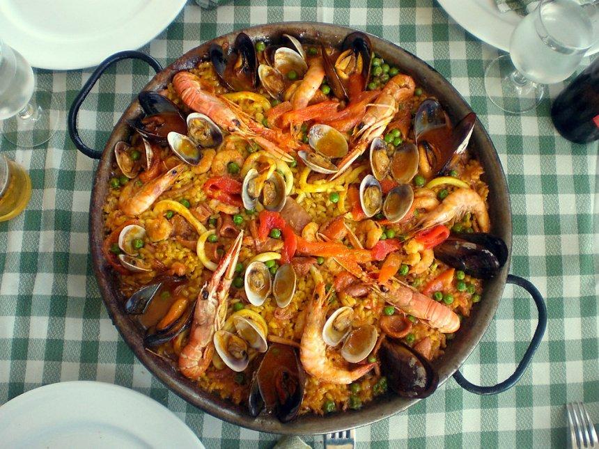 Paella de marisco gallego