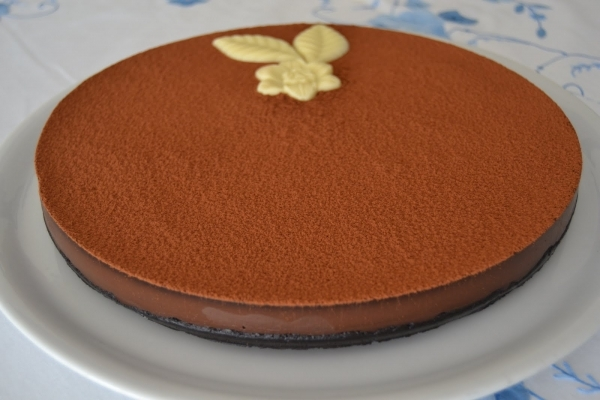 Pastel cremoso de chocolate