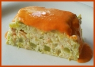 Pastel de calabacín con salsa de pimiento