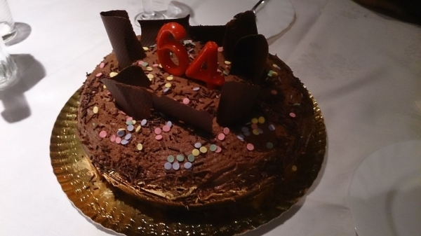 Pastel de chocolate con mousse de chocolate negro
