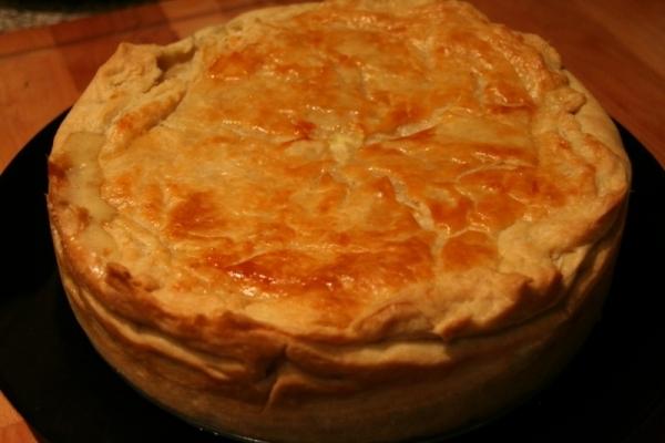 Pastel de pollo en pasta de hojaldre