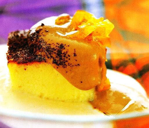 Pastel de queso manchego con crema de almendras, café y naranja