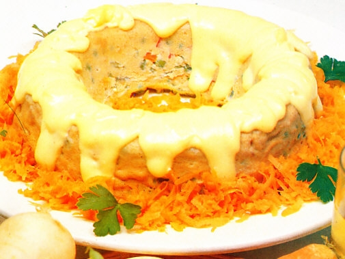 Pastel de verduras con salsa holandesa en Microondas