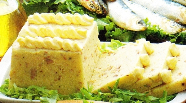 Pastel frío de pescado