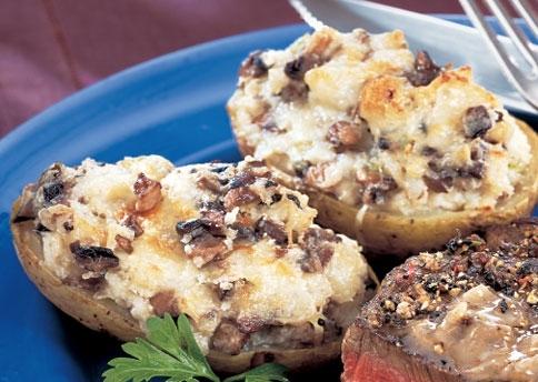 Patatas rellenas de carne y setas