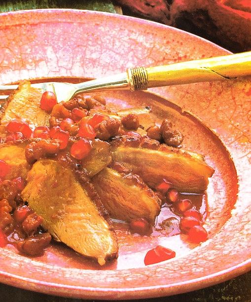 Pechugas de pato con salsa de nueces y granadas