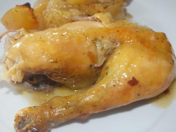 Pollo a las especias con ensalada de melocotón
