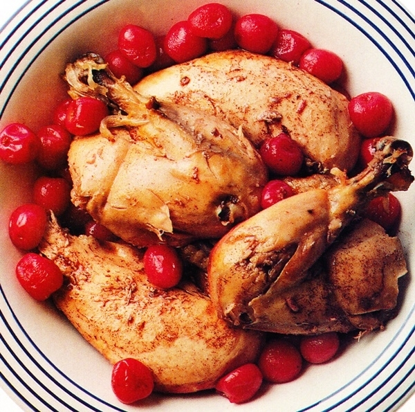 Pollo con guindas