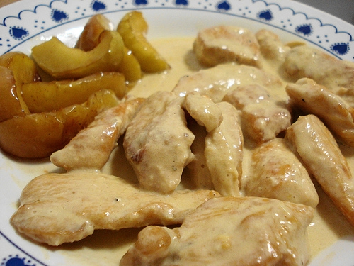 Pollo con manzanas al yogur