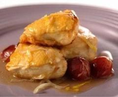 Pollo con salsa de nueces y uvas