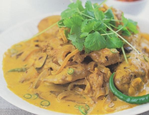 Pollo picante al coco de Tamil