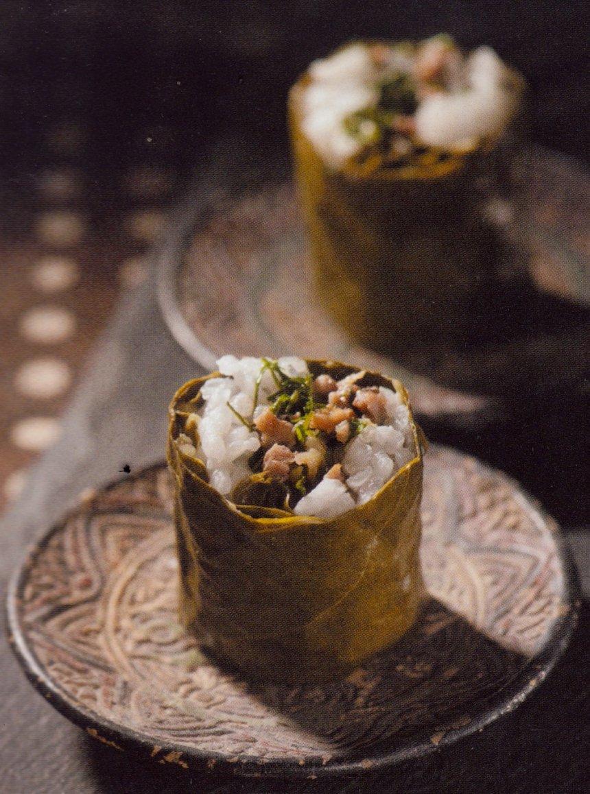 Rollitos de carne picada envuelta en hojas de viña