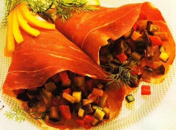 Rollos de jamón con verduras