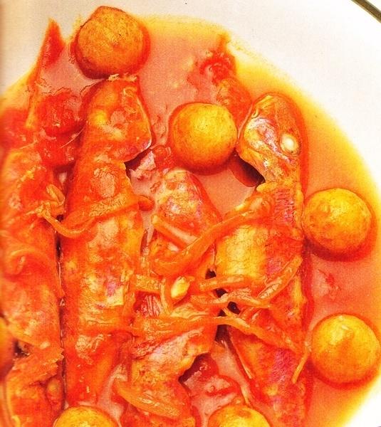 Salmonetes en salsa roja