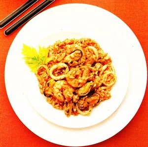 Salpicón de marisco con arroz