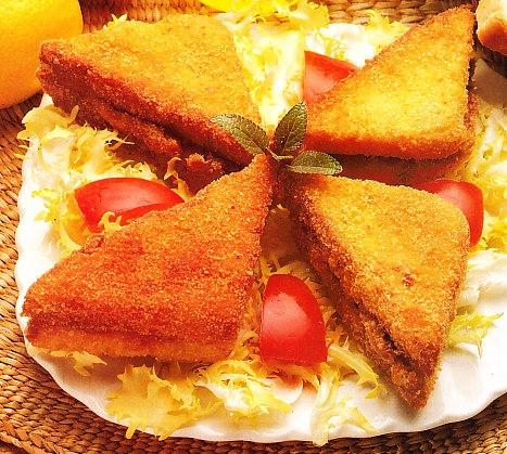 Sandwiches calientes rebozados