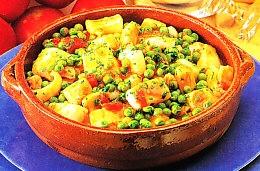 Sepia con patatas y guisantes