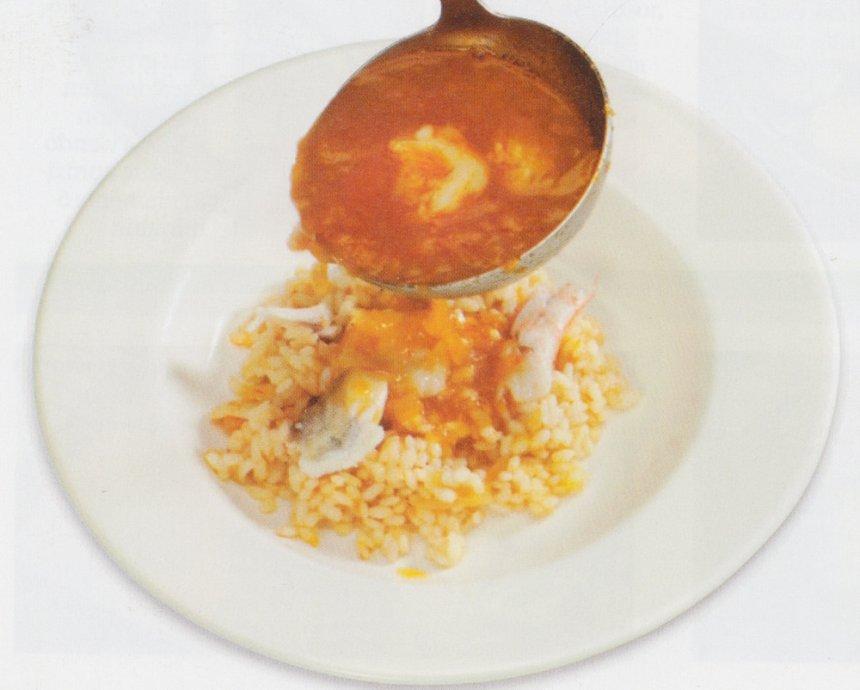 Sopa de pescado con arroz