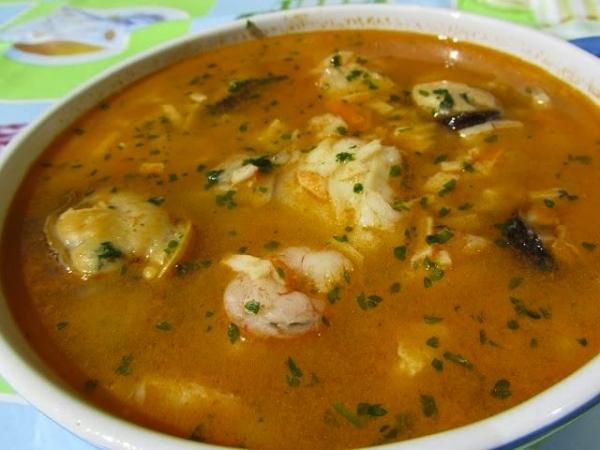Sopa de pescado con tropezones