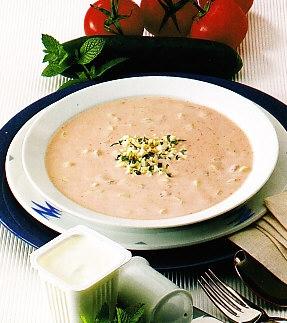 Sopa de yogur con pepino y gambas