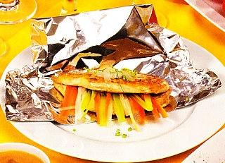 Supremas de pollo en papillote con verduras