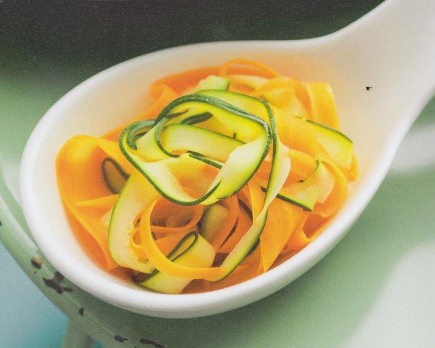 Tagliatelle de calabacín y zanahoria en Thermomix