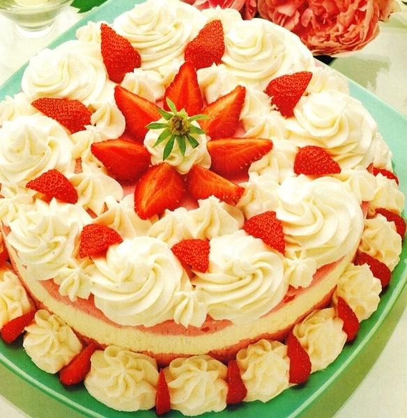 Tarta al helado de fresas