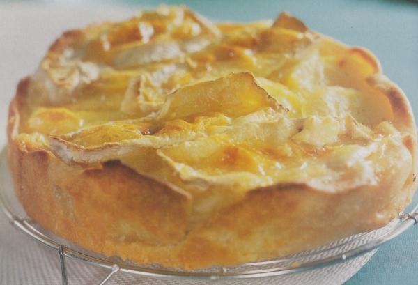 Tarta de patatas, queso y cebolla