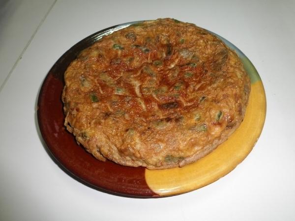Tortilla de alcachofas y espárragos verdes