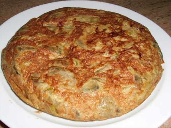 Tortilla de habas y ajos tiernos