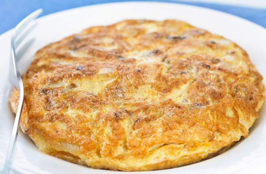 Tortilla de patatas con salsa de soja