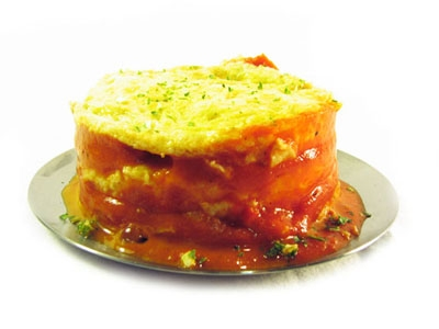 Tortilla francesa con tomate y hierbas
