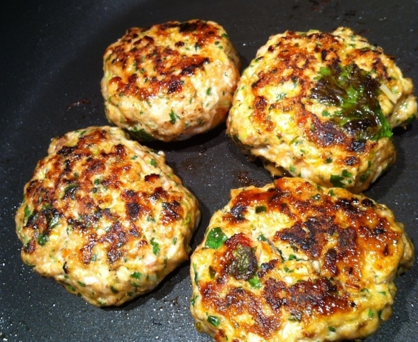 Tortitas de pollo tailandesas