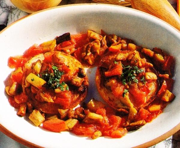 Tostadas con tomate y berenjenas