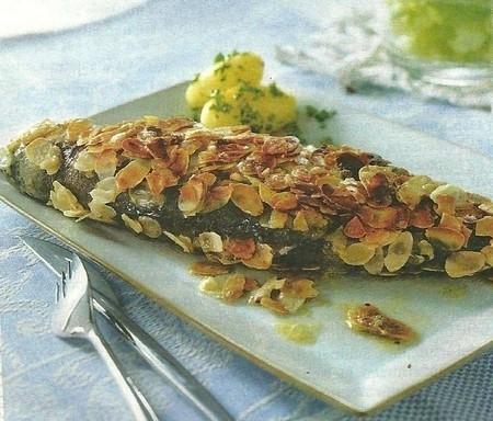 Truchas con almendras fileteadas