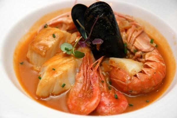 Zarzuela de pescado y marisco estilo Costa Brava