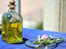 Aceite a las finas hierbas casero