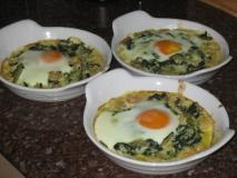 Ajos tiernos con gambas y huevos