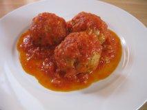 Receta de Albóndigas de berenjenas con salsa de tomate