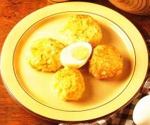 Albóndigas de huevo y patatas