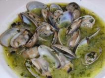 Almejas gallegas en salsa verde