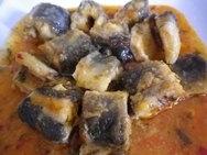 Anguilas en salsa picante