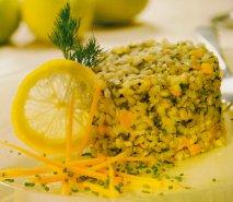Arroz con espinacas frescas