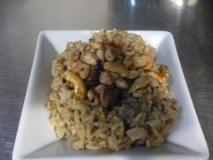 Arroz frito con higadillos y mollejas, sin verduras
