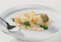 Bacalao con judías del ganxet, espinacas y huevo duro
